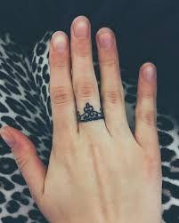 ring tattoo   – Body art
