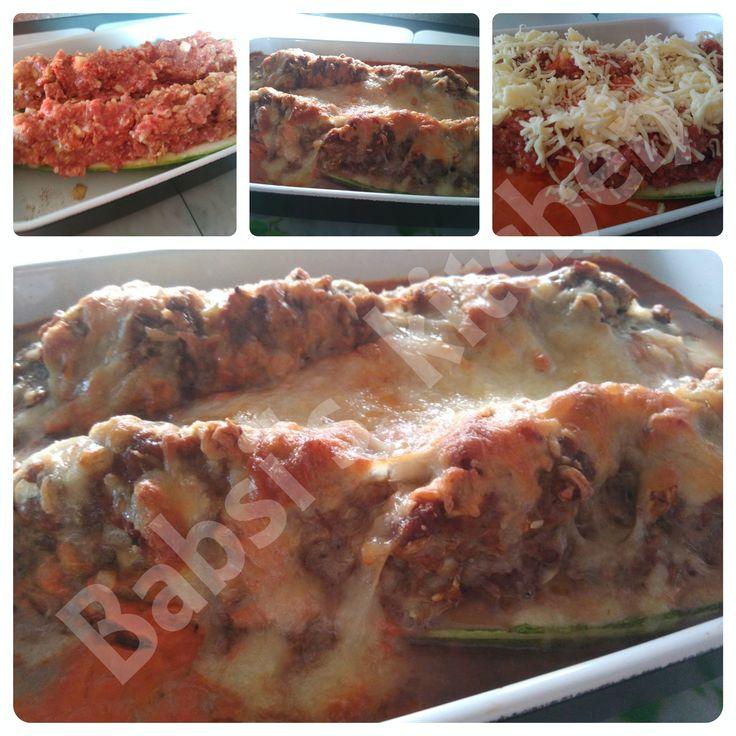 GEFÜLLTE ZUCCHINI MIT HACK IN TOMATENSAUCE Rezept: http://babsiskitchen-foodblog.blogspot.de/2015/08/gefullte-zucchini-mit-hack-in.html