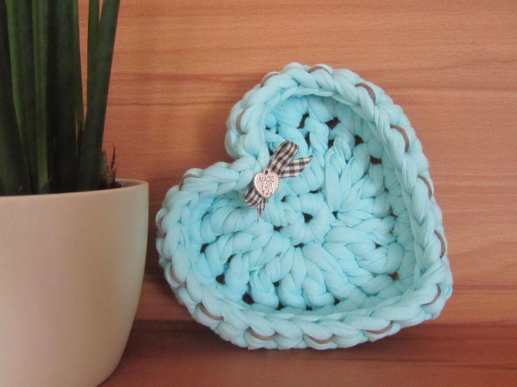 Handmade Heart Basket : H?kel herz k?rbchen mit textilgarn zpaghetti crochet