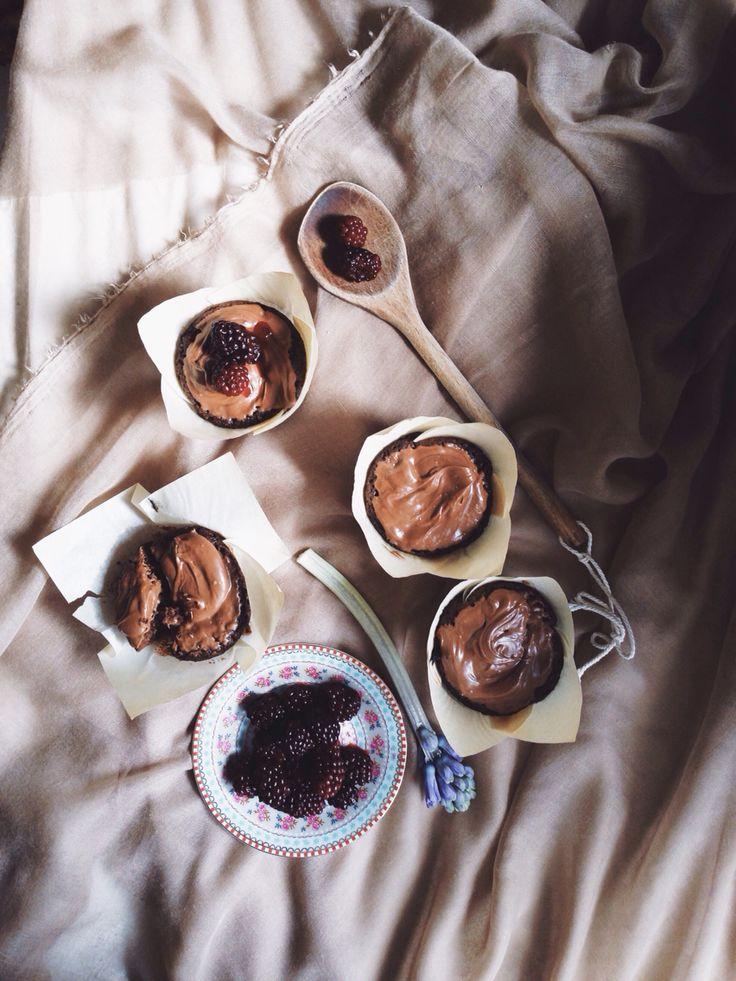 Blackberries and chocolate muffins