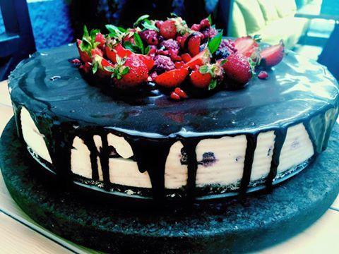 Ne-am pregatit de vara cu un tort rawcoritor☺️