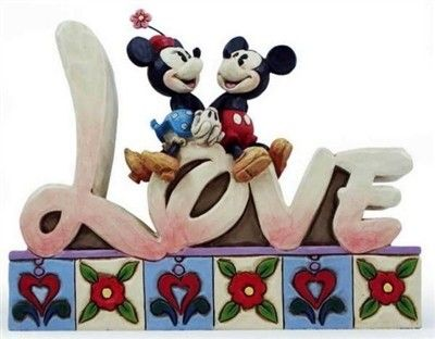 Disney tradition - Mickey and Minie Love word