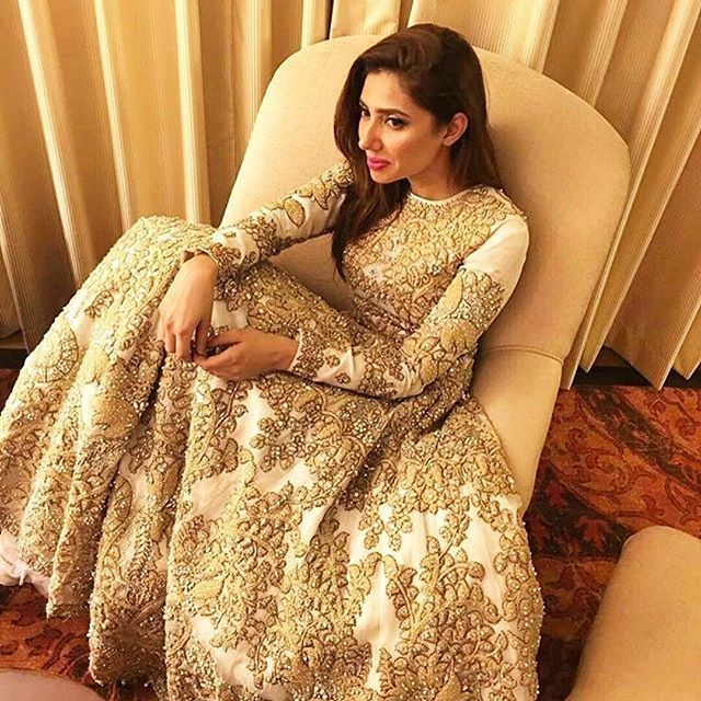 Mahira Khan taking a breather after the PLBW 2016 madness! Still looking perfect in Ali Xeeshan's showstopping ensemble  #Mahirakhan #alixeeshan #lahore #aboutlastnight #khamoshi #lotuspr #loreal #pfdc #alixeeshan #Khamoshi #plbw16 #loreal #grandfinale #plbwfinale #heirtothefashionthrone #fashionwithmeaning #breakfree #details #bridalcouture #regal #feminine #alixeeshanbrides #unmatched