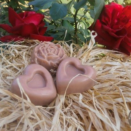 Rózsaliget - bőrszépítő női szappan a rózsa gyengéd illatával