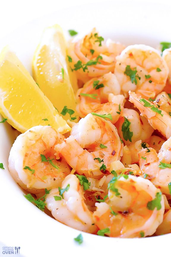 15-Minute Skinny Shrimp Scampi Recipe | gimmesomeoven.com - We just tried this recipe and it was absolutely delicious!!!!!!!