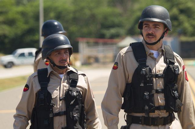 Pablo Escobar le ofrece al Coronel Pabón 5 millones de dólares para que las autoridades lo dejen de perseguir. ¿Aceptará el hombre?