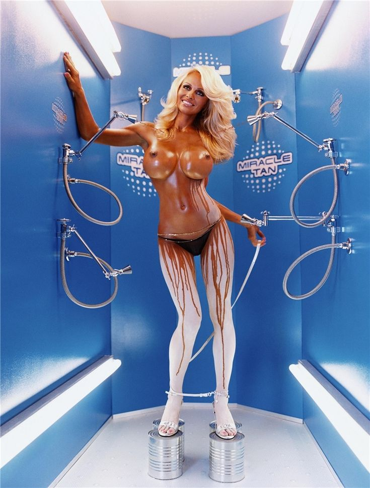 David Lachapelle - Pamela Anderson: Miracle Tan (Shoes Portfolio Serie, 2004)