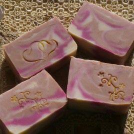 Különleges indiai rózsa illatú kézműves kecsketejes szappan