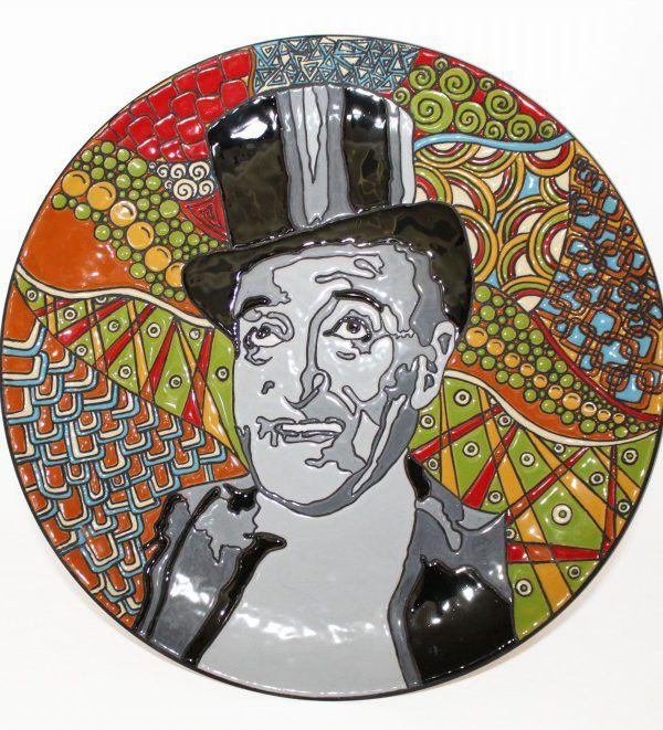 Piatto in ceramica Toto' realizzato a mano, decorato con la tecnica della cuerda seca. By Marta Liberati.