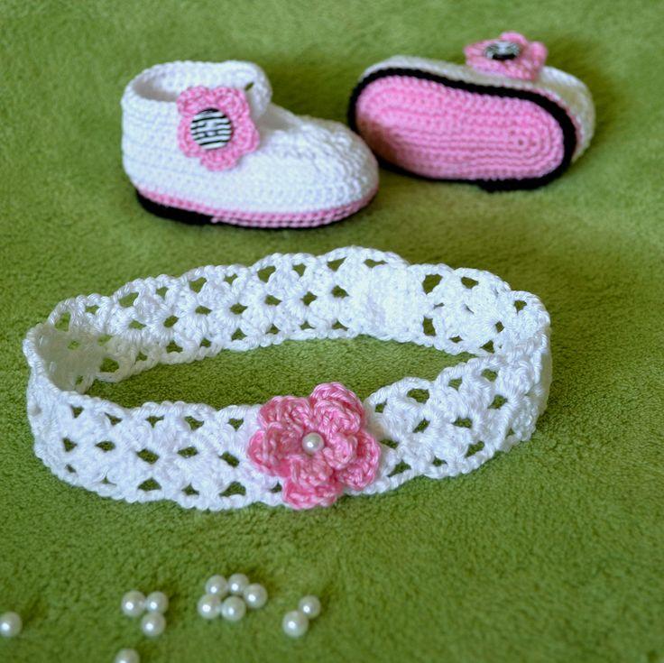#horgolt #babacipő #fejpánt #horgoltvirág #crochet #babyshoes #headbandcrochet #headband #flowercrochet