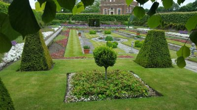 Hampton Court Palace, London  #hampton #court #palace #gardens #london #surrey #spring #bank #holiday #weekend #explorer #TheWorldExplorer