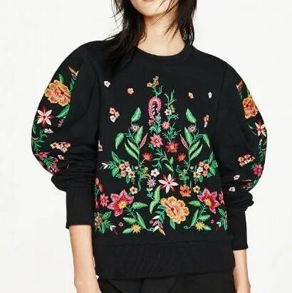 Flower embroidered sweatshirt black crew neck top for women
