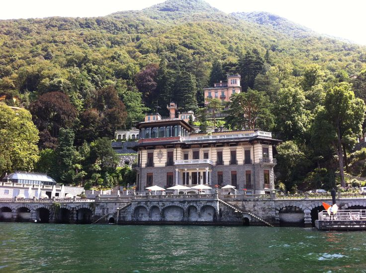 Sensational #LakeComo: be like a #King! Exclusive and limited offer! Enjoy our  #August #special with a fantastic discount up to 15% on all room categories.  Valid until August the 27th. Book it now! http://www.castadivaresort.com/contacts  #Italy