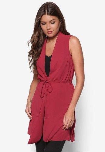 Raspberry Sleeveless Belted Jacket from Dorothy Perkins in red_1