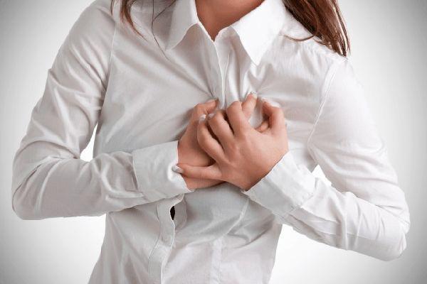 Top 6 Symptoms that are Silent signs of heart disease for women :http://tamilgoose.com/top-6-symptoms-that-are-silent-signs-of-heart-disease-for-women/