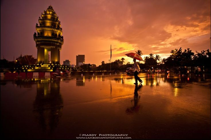 Top 10  The most Beautiful Photos of Cambodian Independence Monument