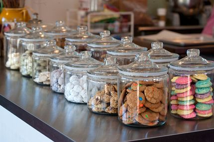 Google Image Result for http://www.lilyscookies.com/wp-content/uploads/2010/09/cookie-bar-panorama.jpg