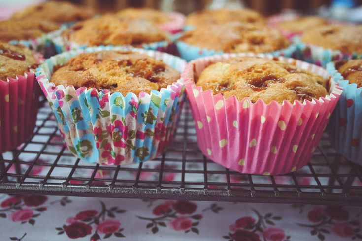 Use over ripe bananas to make these yummy banana and fudge muffins. #recipe #banana #muffins