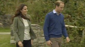 Kate makes first public appearance since birth of baby George as William fires the starting gun at the Anglesey ultra marathon   Mail Online
