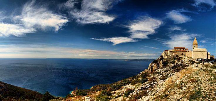 Lubenice - wyspa Cres   http://crolove.pl/wyspy-krk-cres-i-rab-polnocne-perly-adriatyku/   #Chorwacja #Croatia #Hrvatska