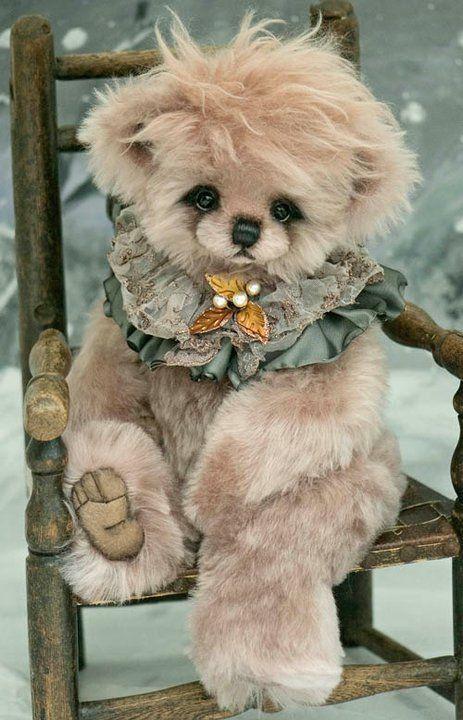 """Bellini"" Bear  http://threeoclockbears.typepad.com/my_weblog/page/3/"