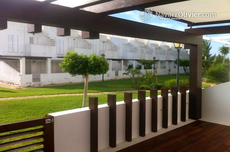 P rgola decorativa estilo minimalista con sombraje retractil en lona dise o muxacra arquitectos - Pergolas minimalistas ...