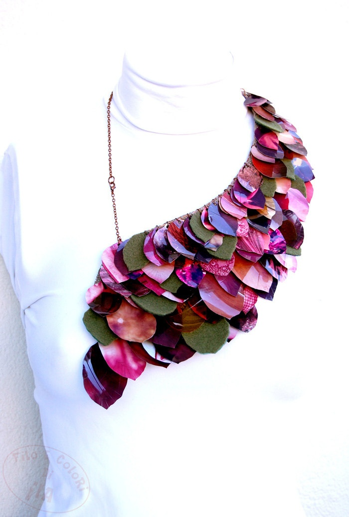 Ilaria Anselmi Venice, Italy - Upcycled necklace PET plastic magazine paper felt leaves purple green fuchsia pink rust maroon copper - 87€, via Etsy