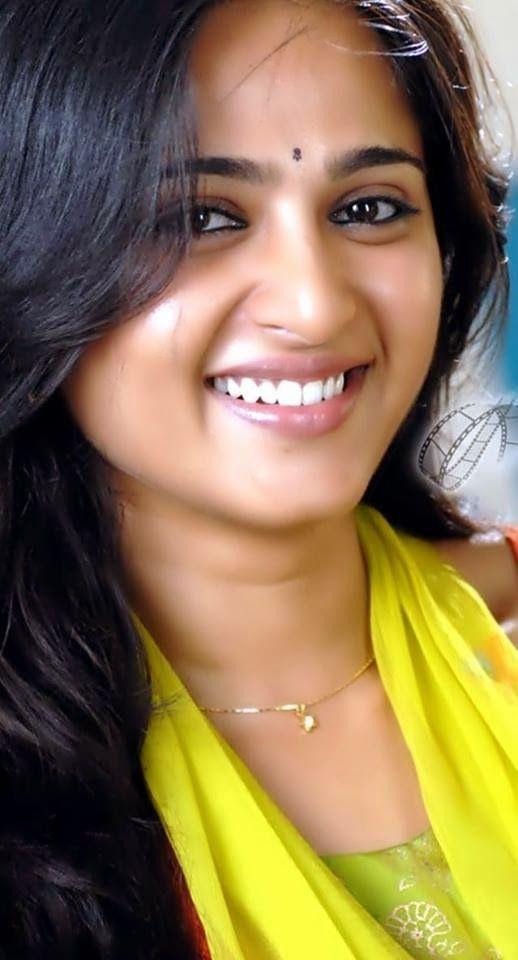 Anushka Shetty- anushka,anushka hot,anushka photos,Latest News,movies,Wallpapers,Photos, Videos: anushka shetty traditional dress