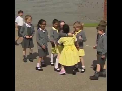 Ritas Etiket Protez Bacakla okulda ilk gün