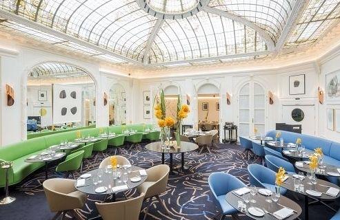 Hôtel Vernet — это современный взгляд на парижский стиль.  http://faqindecor.com/ru/hotel-vernet-yubilejnyj-naryad-ot-fransua-shamso/