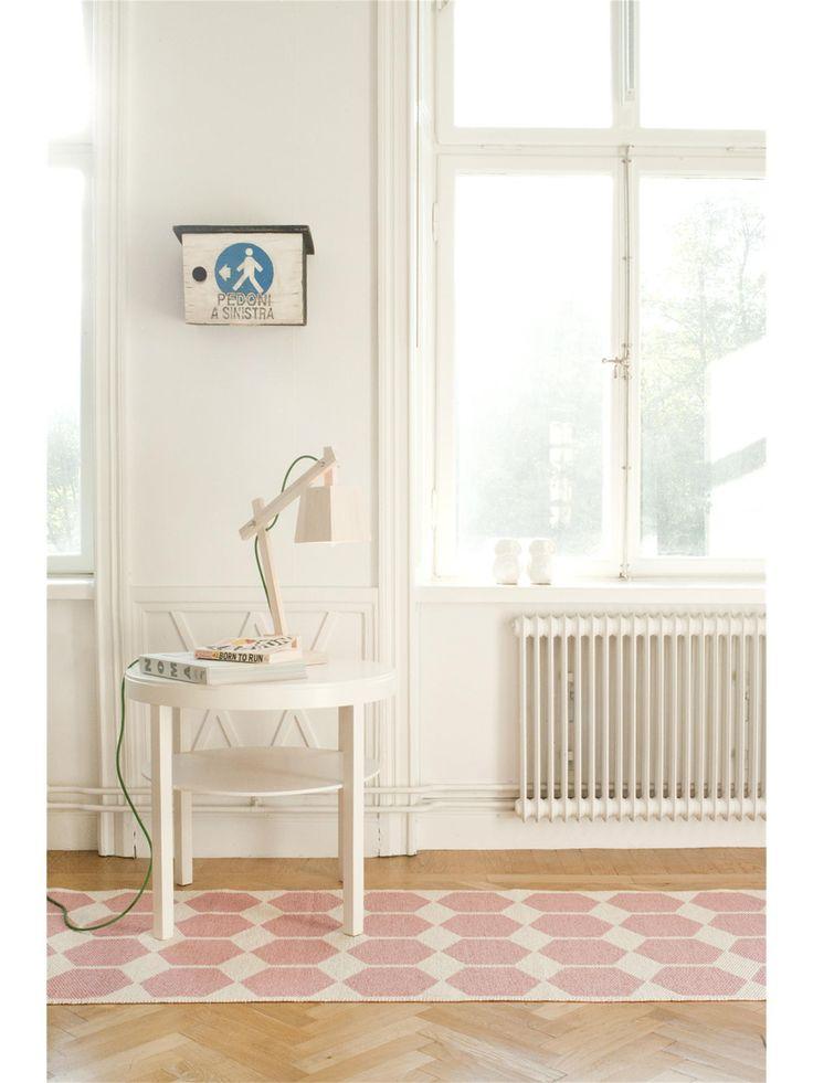 Brita Sweden Kunststoff Läufer Anna: Geometrisches Design in zarten Pastellfarben #benuta #teppich #skandi #interior #rug