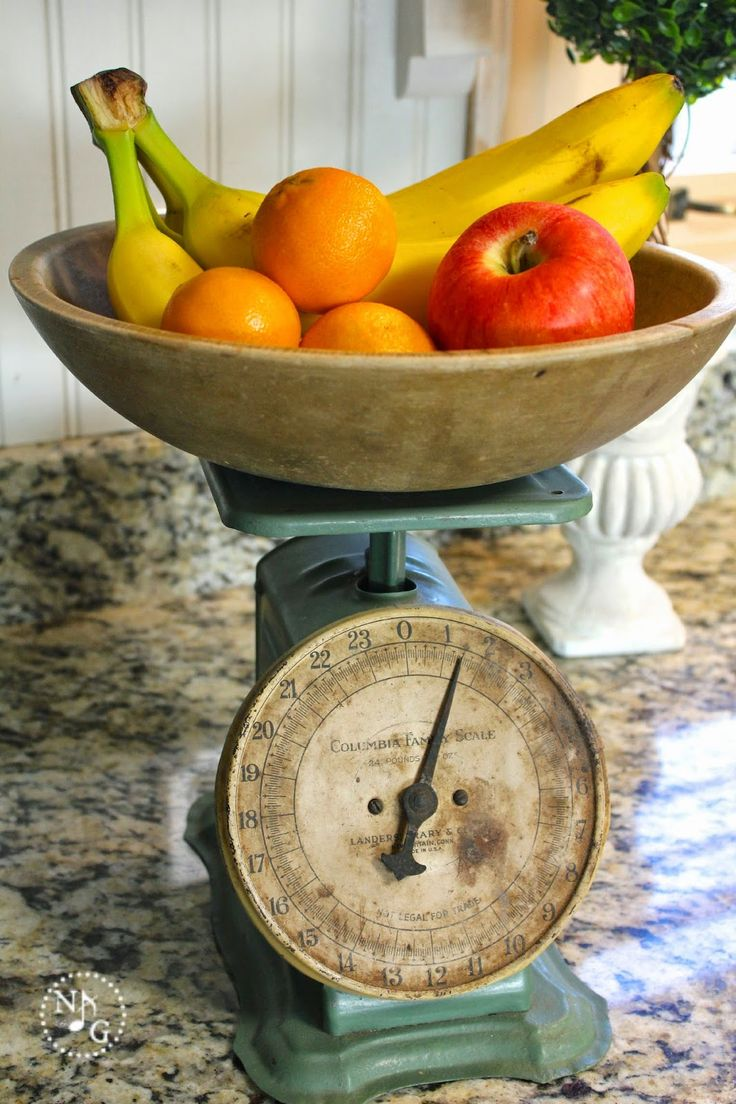 Noting Grace: Decorating with Heirlooms: Vintage Scale