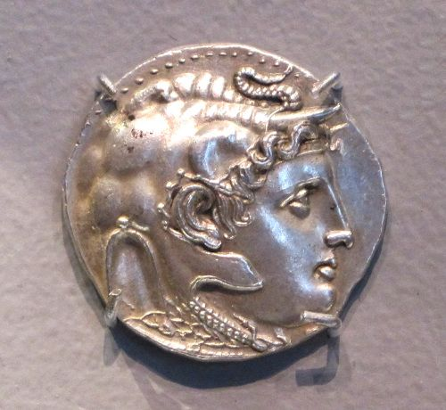 Sliver Tetradrachm with head of Alexander the Great (316-310 BCE). In this coin, Alexander wears an elephant-skin headdress, alluding to his conquest of the East. The Macedonian king ruled Babylon from 331 BCE until his death in that same city in 323 BCE. Boston Museum of Fine Arts, Boston, MA.