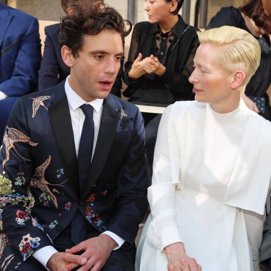Mika talking to Tilda Swinton at the Valentino runway show