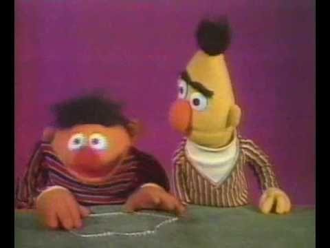 Bert & Ernie - De toverketting vormen