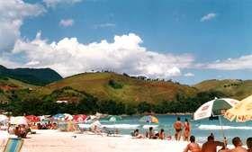 Maresias, SP - Praia mais animada do litoral de São Paulo, Maresias é ponto de encontro de jovens em busca de badalação. Durante o dia, surfistas aproveitam as grandes ondas no mar, enquanto corpos sarados bronzeiam na areia. À noite, a balada é na conhecida discoteca Sirena, uma das mais famosas do Estado