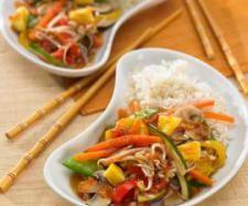 Ryż z warzywami gotowanymi na parze z sosem słodko-kwaśnym | Przepisownia