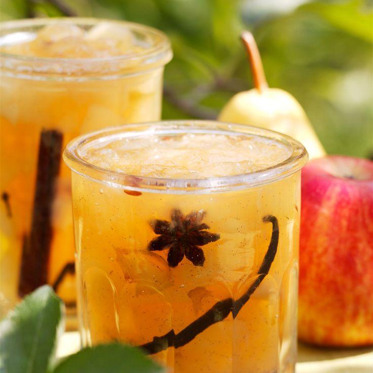 Confiture de pommes et poires Découvrez la recette Confiture de pommes et poires sur cuisineactuelle.fr.