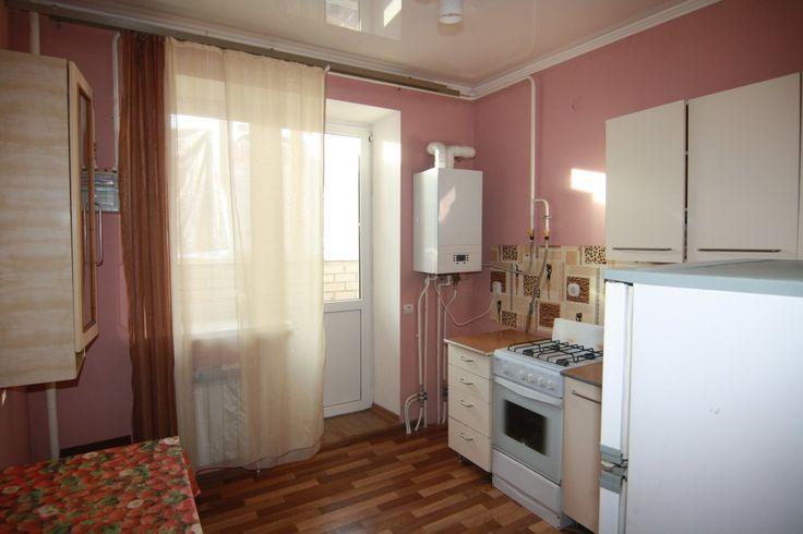 Предлагаем для долгосрочной аренды в Ставрополе  1 - комнатная квартира по адресу Достоевского 75,Панорама, ремонт косметический,кухонный гарнитур, мягкая мебель, б/у хорошая, общей площадью 36 кв.м, дом Новый кирпич, Индивидуальное отопление, Газ-плита, наличие бытовой техники - стиральная машина (+), холодильник (+), телевизор (-),парковка подземная, номер объявления - 34233, агентствонедвижимости Апельсин. Услуги агента только по факту заключения договора.Фотографии реальные…