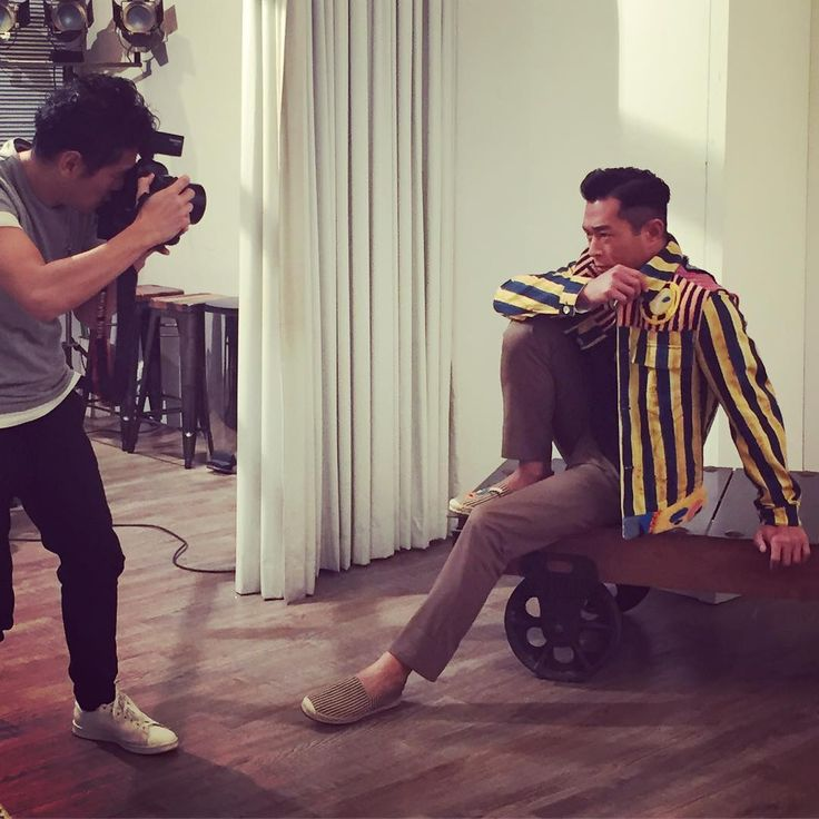 Behind the scene  Louis Koo 古天樂 . . . . . . . . . . . . . . . . . . . . . . . . . . . . . . . .  #louiskoo #古天樂 #cover #magazine #homme #celebrity #covershoot #fashion #fendi #fashionphotography #magazinecover #interview #instadaily #instamood #instastyle #photooftheday #photography #hkig http://tipsrazzi.com/ipost/1513149742077647292/?code=BT_yaxkgxm8
