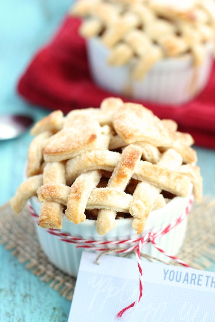 You are the apple of my eye - individual Valentine's apple pies, I am gonna try these tonight with our apples!!