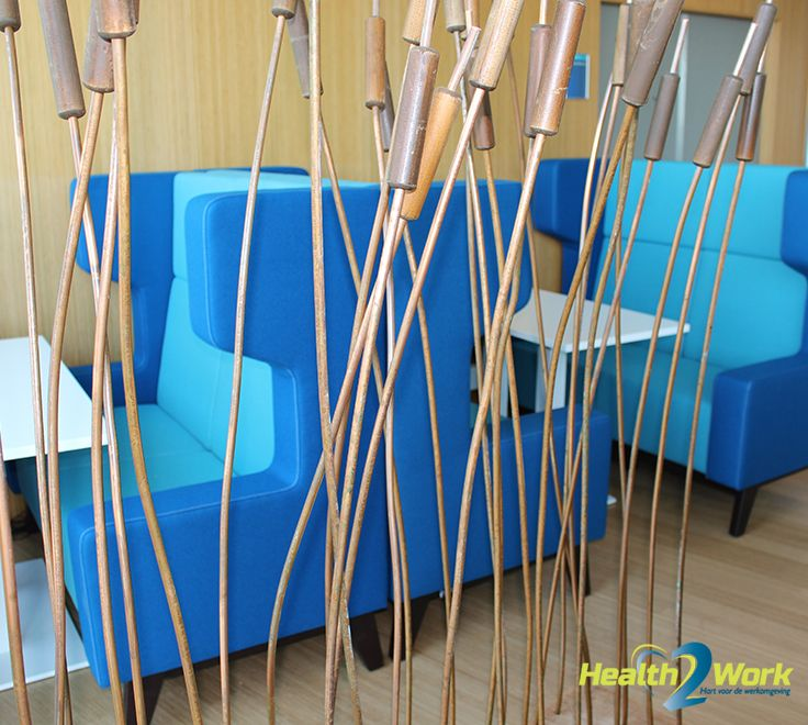 Modulair akoestisch meubilair in het riet