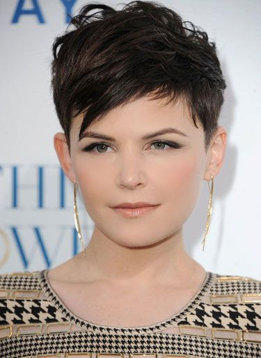 I have to figure out how to get my hair to actually look like this, because this is similar to my cut right now.