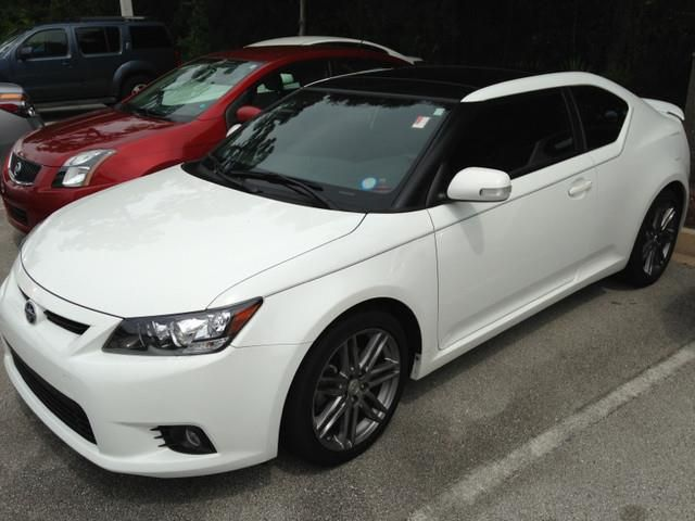 2013 Scion tC Base 2dr Coupe 6A Coupe 2 Doors Super White for sale in St augustine, FL Source: http://www.usedcarsgroup.com/used-scion-for-sale-in-st_augustine-fl