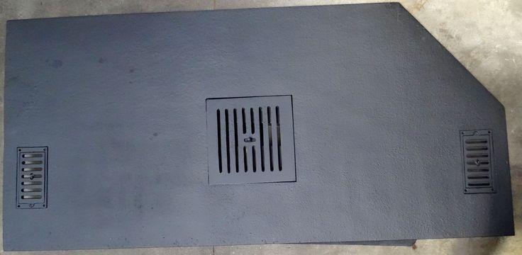 Plaque unie avec grilles incorporées - Plaques en fonte - Fonderie LACOSTE - Dordogne - Création de plaque de cheminée - Réalisation à la demande