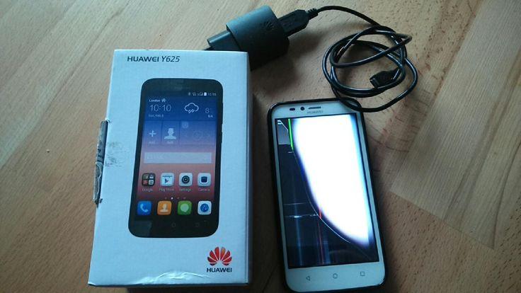 Huawei Y625 Displaybruch  gekauft 20.07.15  defekt, Displayschaden funktioniert sonst einwandfrei, weiss mit Schutzhülle. Dadurch dass das display schwarz und bunt ist, kann man nichts mehr sehen. Das obere Glas ist heil, das untere Glas ist wohl gesprungen.  #handy #smartphone #touchhandy #kaputt #defekt #display #bastler #reparatur #gerissen
