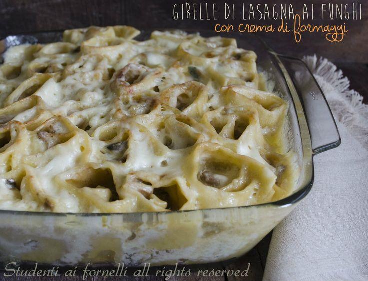 Girelle di lasagna funghi e crema ai formaggi http://blog.giallozafferano.it/studentiaifornelli/girelle-di-lasagna-funghi-e-crema-ai-formaggi/