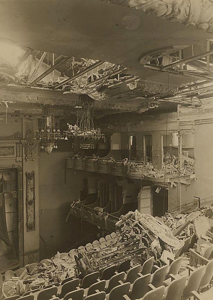 1940s.Interior del Teatro Real.P&B.