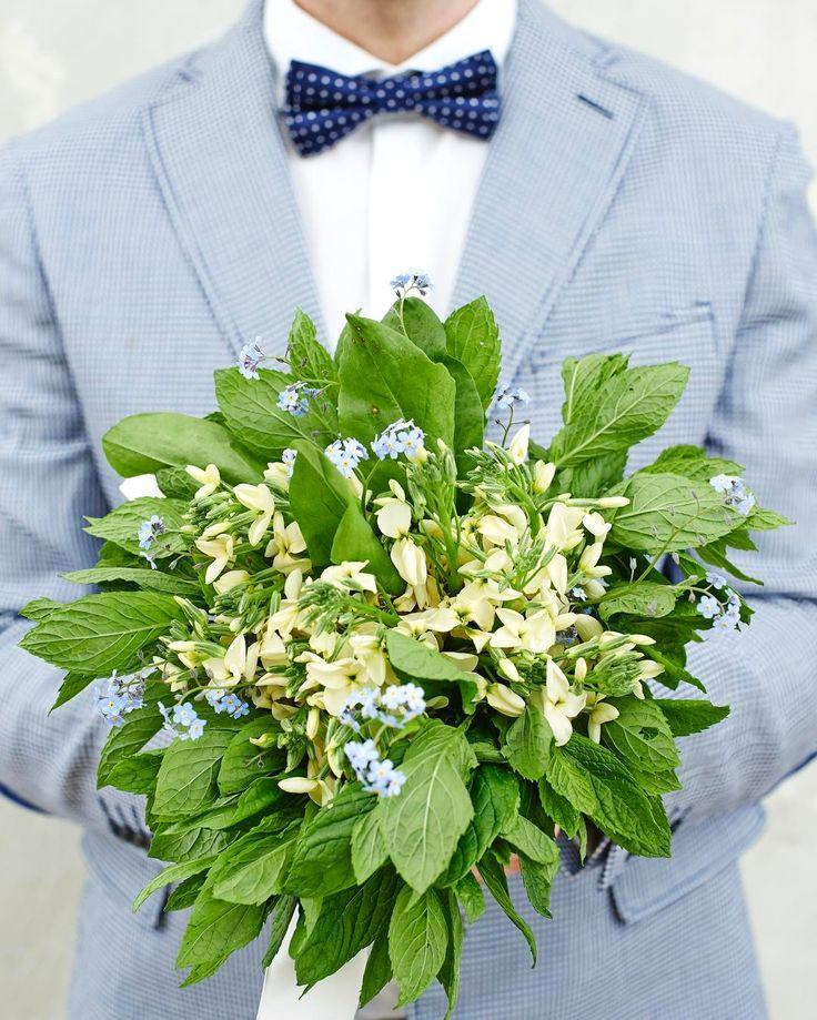 Ślubnie 🌀mięta,lewkonia, nizapominajka i już 🌀#warsztatwoni #martagessler #beautiful #flowerseverywhere #flowers #ślub #bukiet #flowers #flowerstagram #wedding #weddingtime