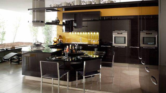 cucina bambu nero lucido e giallo senape